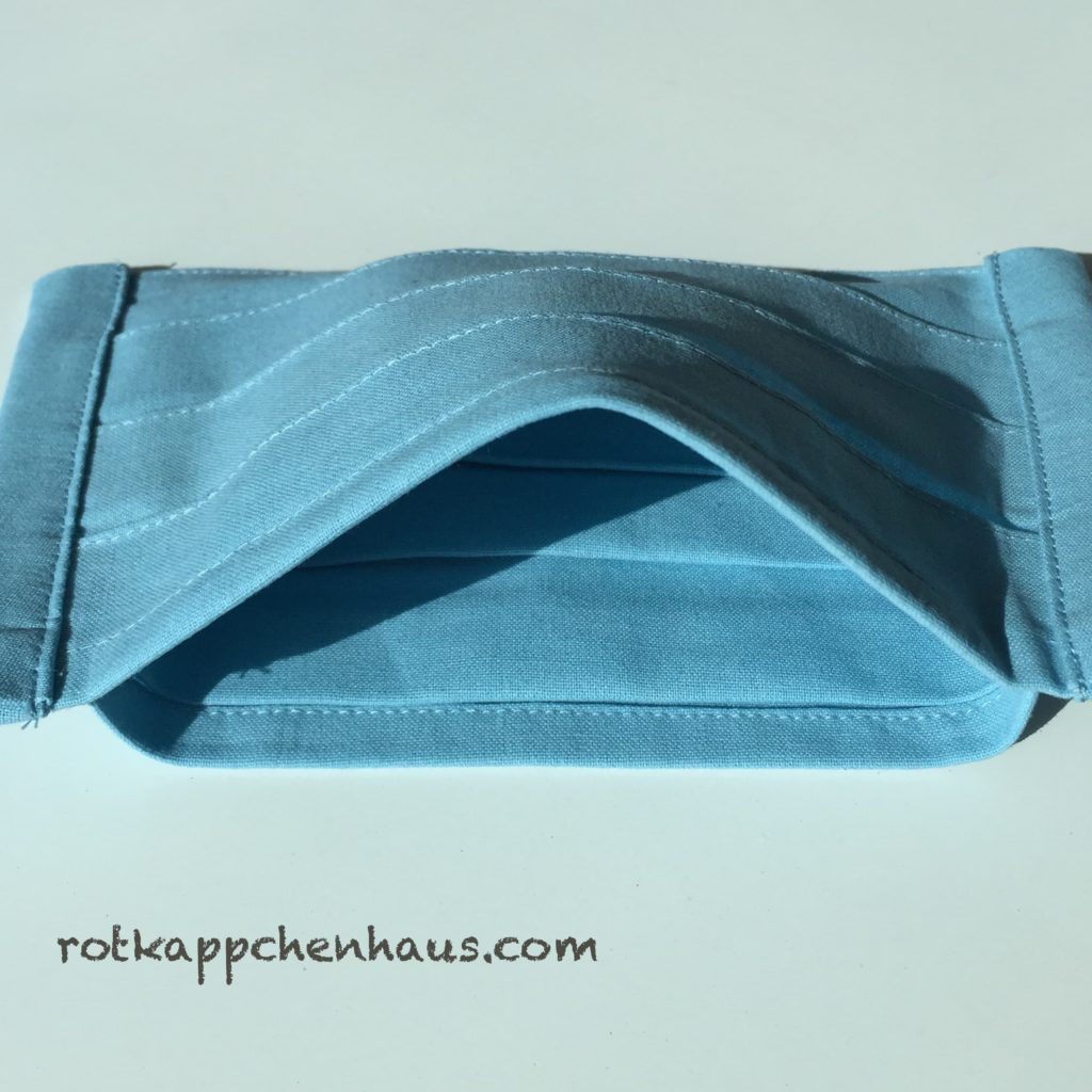 pleats mask with pocket